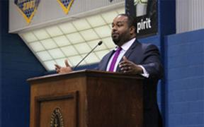 Speaker addresses racial divides, history to kick off Week to Engage